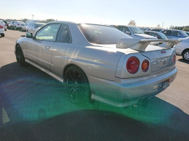 Nissan Skyline R34 GT-T_Heckansicht 1