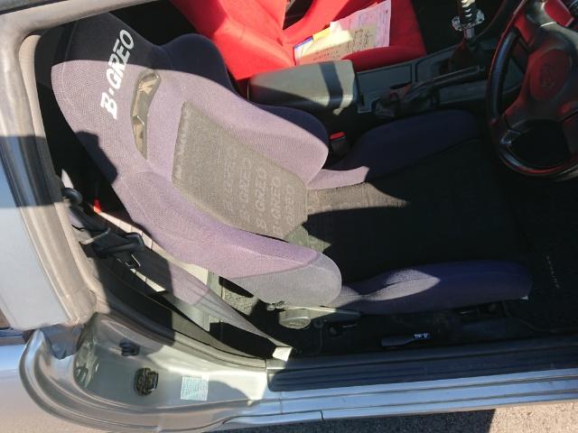 Nissan Skyline R34 GT-T_Fahrersitz