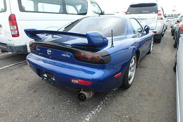 Mazda-RX-7-Type-RS_Heckansicht-2