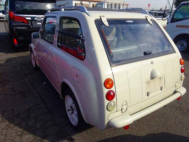 Nissan Pao_Heckansicht 1
