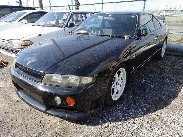 Nissan Skyline R33 GTS-T 1997 - Front 1